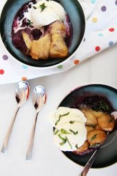 Slow Cooker Biscuit Berry Cobbler