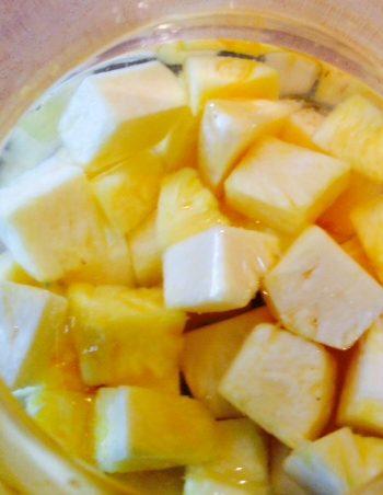 Dream of Vacation: Pineapple Vodka