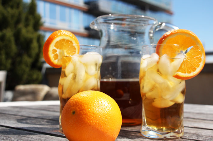 NYC Iced Tea Cocktail Recipe. This is an easy cocktail for a crowd. Make this a day in advance. When guest come add ice and cheers to gratitude. www.Chophappy.com #cocktail #drinks #cocktailforacrowd