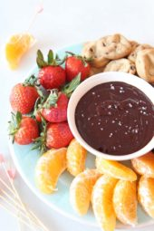 Slow Cooker Red Wine Chocolate Fondue