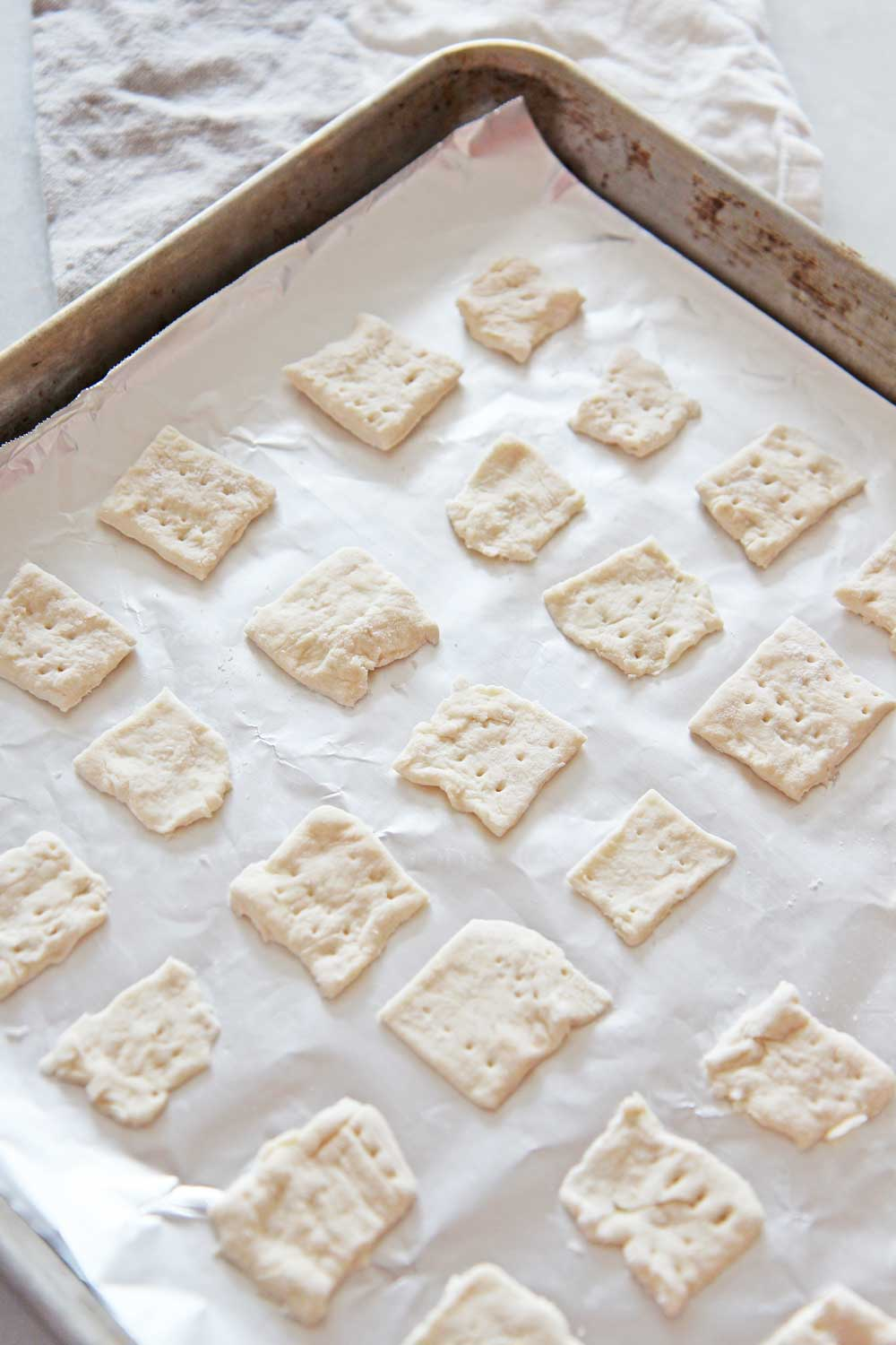 How To Make 11 Ingredient Homemade Crackers