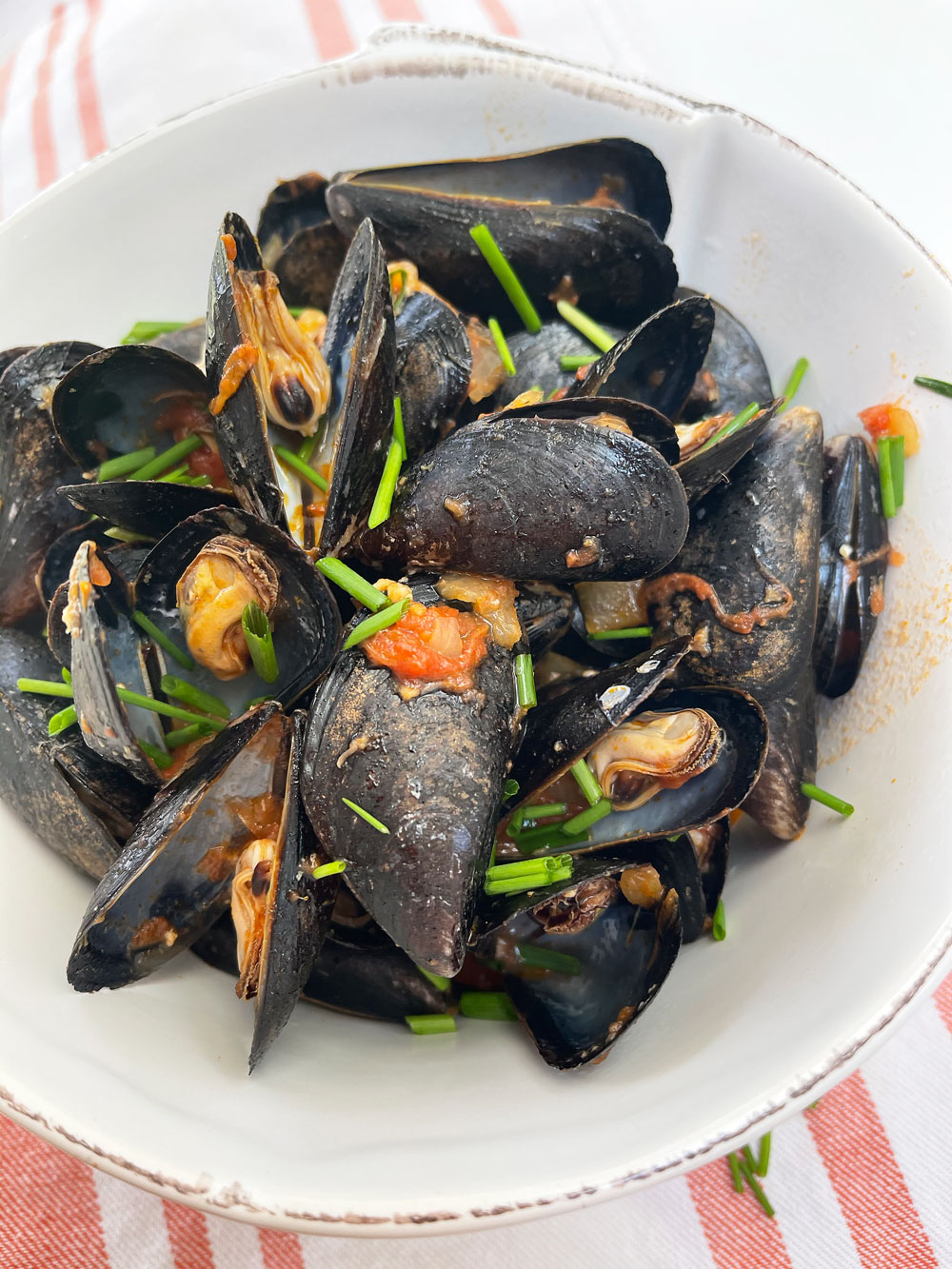 3 Ingredient Mussels recipe with a saucy Amatriciana. Easy summer seafood recipe! Happy Cooking! www.Chophappy.com #mussels #summerrecipe